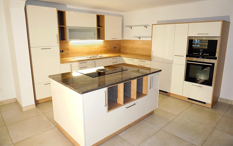 Küchen mit insellösung  Referenzen des Küchenstudios Pointinger in Oberösterreich